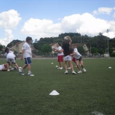 Petit rugby entre filles