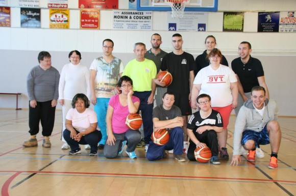L'équipe de basket adapté du BVT